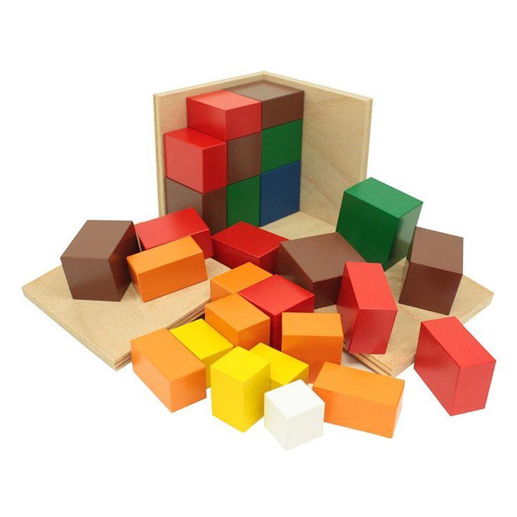 Cubo de madera del trinomio para que los niños lo formen como un puzle y comprendan fácilmente la fórmula del trinomio. Está formado por una caja de madera con una cubierta con 2 bisagras que permiten abrir 2 lados de la caja. La caja contiene dibujado elpatrón de colorigual que el interior. Contiene 27cubos y prismasde madera que encajan entre sí para formar un cubo y que están pintados en rojo, azul, amarillo, naranja, verde, marrón y azul. El cubo de trinomio representa la fórmula…