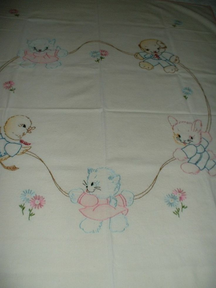 Lovely! Vintage Vogart Tinted Embroidered Baby Animal Crib Cover Baby Quilt~Rare Find