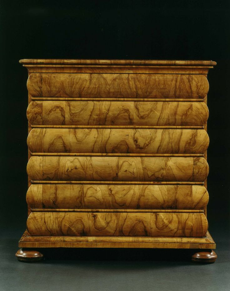A HIGHLY UNUSUAL LATE BAROQUE WALNUT AND MARQUETRY COMMODE | Carlton Hobbs