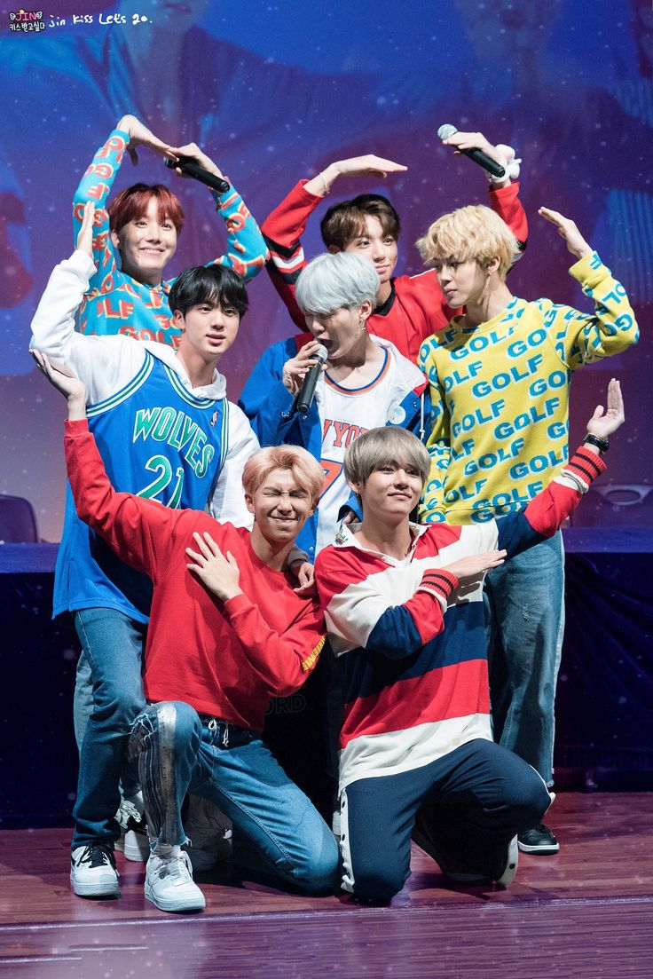 BTS | group pic! The way chimchim looks at yoongi thou haha