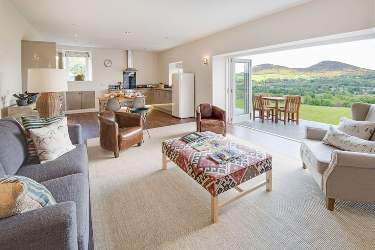 Set in the very heart of the country that inspired the writings of Sir Walter Scott is The Smiddy, a superb new barn conversion that has tremendous views.