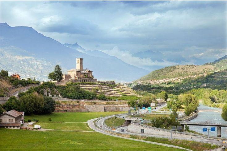I Castelli della Valle d'Aosta - Vita in CamperVita in Camper |