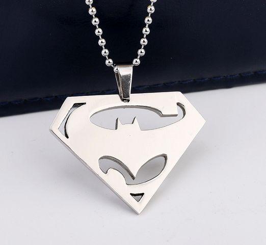 Batman v Superman Logo Necklace - FREE SHIPPING – US Fresh
