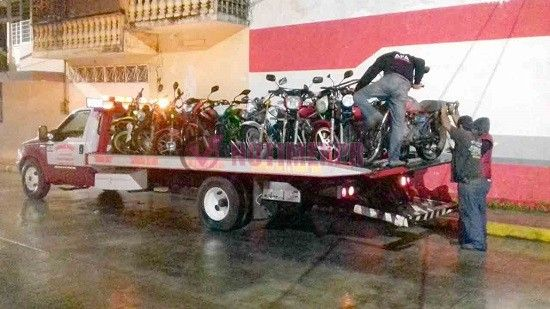 Se implementa operativo Casco Seguro por parte de Transito del Estado, Policía Estatal y Policía Municipal. - http://www.esnoticiaveracruz.com/se-implementa-operativo-casco-seguro-por-parte-de-transito-del-estado-policia-estatal-y-policia-municipal/