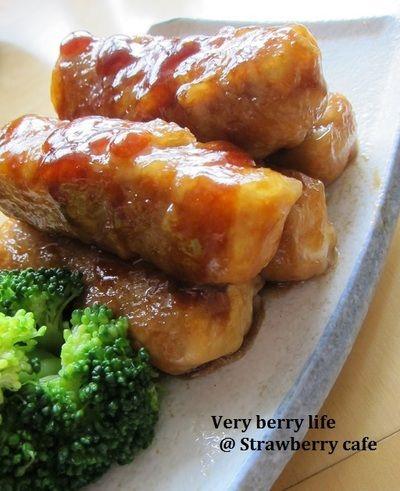 水切りした豆腐を豚肉で巻いたボリュームおかず。甘辛い味付けで、子どもにも大人にも大人気☆ http://www.recipe-blog.jp/profile/32976/blog/14322562