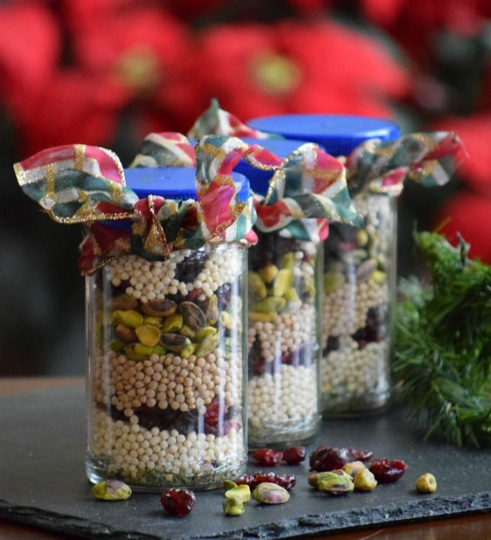 Do you have that Epicurean and Eco-friendly friend you have no idea what to buy them for Christmas? Try this DIY homemade Holiday Fruit & Nut Couscous Mix! @thefitfork #LivingLitehouse