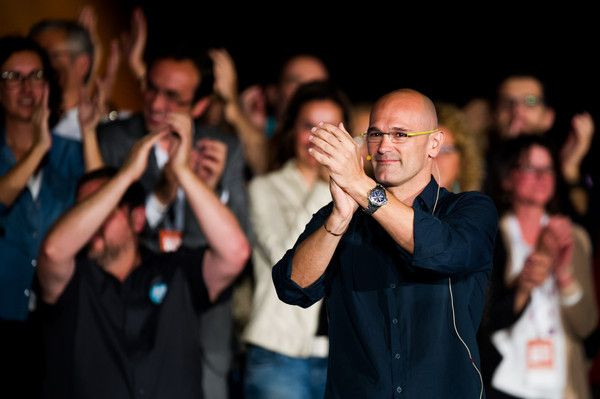 Leader of 'Junts pel Si' (Together for the Yes) coalition Raul Romeva gives an speech during the 'Junts pel Si' (Together for the Yes) coalition closing rally on September 25, 2015 in Barcelona, Catalonia. The main Catalanist parties, Catalan Democratic Convergence 'Convergencia Democratica de Catalunya' party (CDC) and Republican Leftist of Catalonia 'Esquerra Republicana de Catalunya' party (ERC) have joined together to form a Catalan pro-independence coalition 'Junts pel Si'.