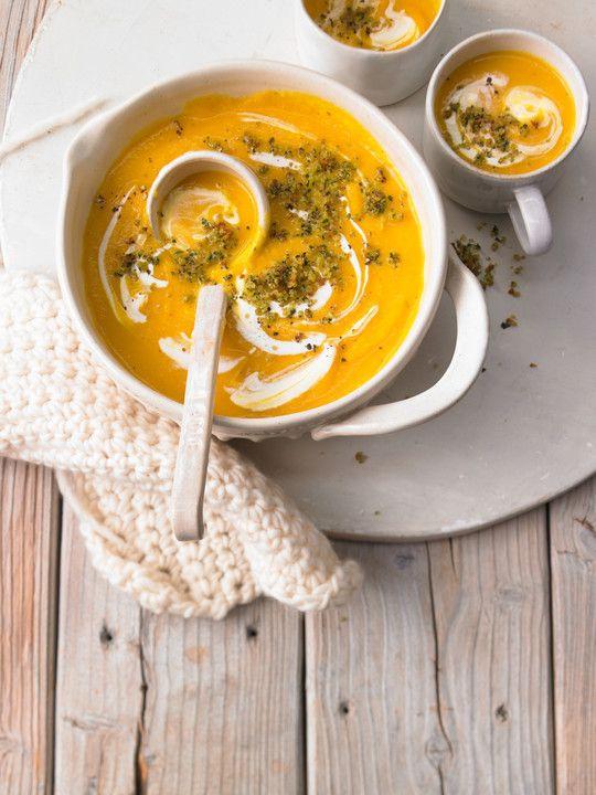 Pastinaken - Kürbis - Suppe, ein gutes Rezept aus der Kategorie Herbst. Bewertungen: 35. Durchschnitt: Ø 4,2.