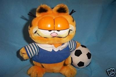 "Vintage GARFIELD THE CAT ""Soccer Garfield"" Plush (Measures 9"" x 9"") Dakin http://www.amazon.com/dp/B008GO5EDK/ref=cm_sw_r_pi_dp_naCOtb11C9SHGSG6"