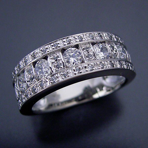 この指輪はエタニティリングだと思うけど、どうですか?凄く豪華!  I think this ring's eternity ring, how do? Really gorgeous!  http://brilliant.ocnk.net/phone/product/531  #婚約指輪 #engagementring #weddingring #diamondring #結婚指輪 #marriagering #weddingband #brilliantjewelry #ブリリアントジュエリー #eternityring