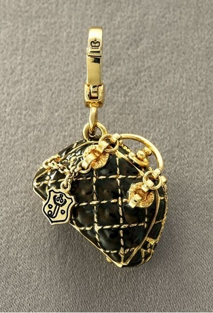 I need this for my juicy charm bracelet!!