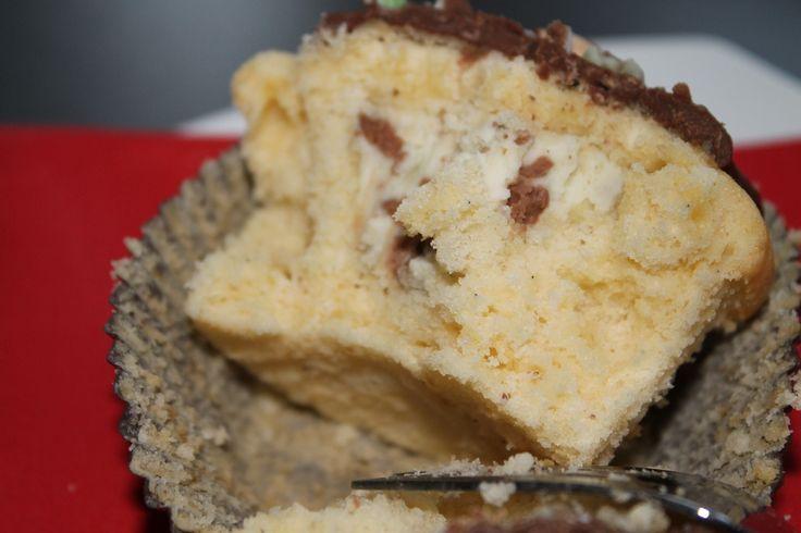 muffin mit f llung muffin mascarpone smarties vanille leckerbissen schokolade food. Black Bedroom Furniture Sets. Home Design Ideas