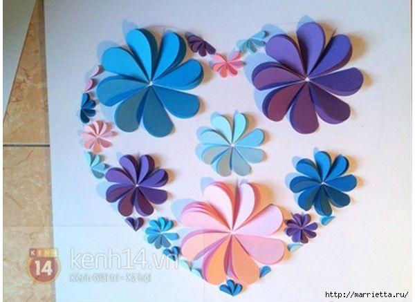 Quadro decorado com flores de papel