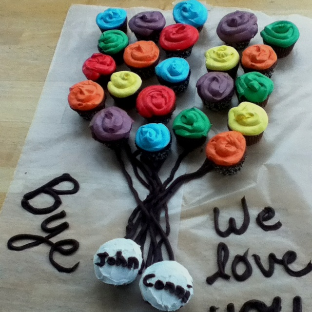 Cute going away cupcake display