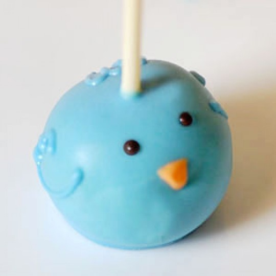 Blue Bird Cake Pop @Emily Garrett wonder if Merrits could do these!?