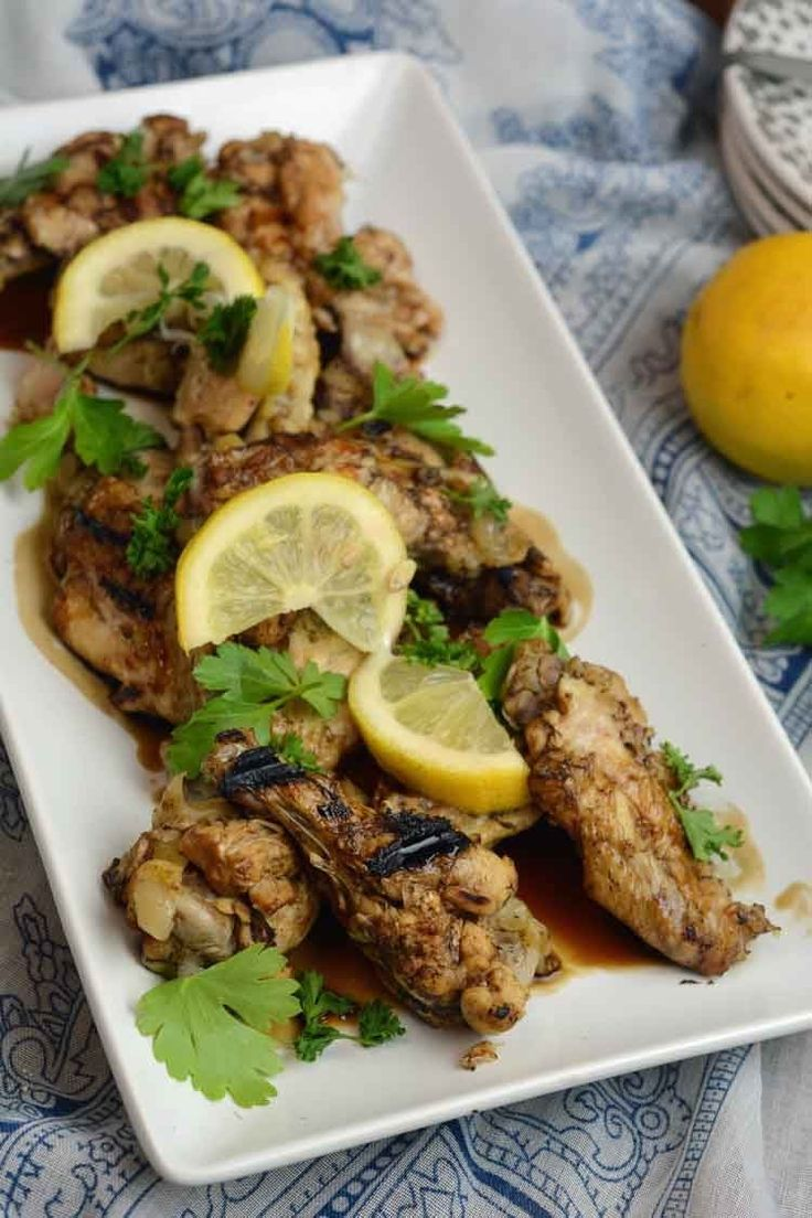 Slow Cooker Lemon and Garlic Chicken Wings