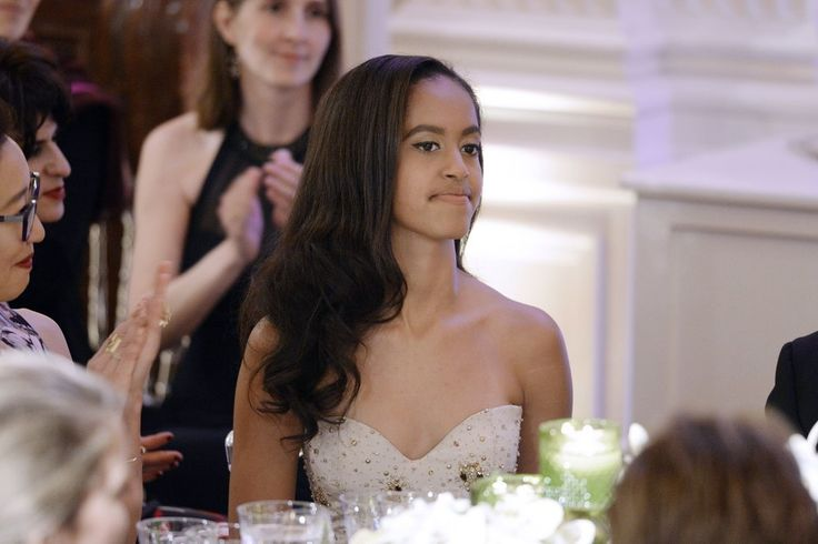 Sasha and Malia Obama Look Impossibly Elegant at Their Very First State Dinner