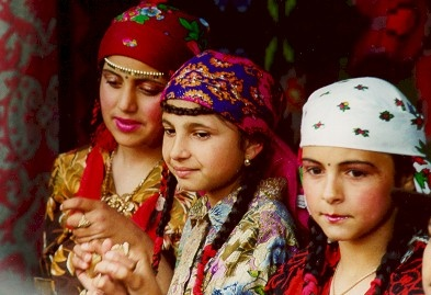 young gypsy girls