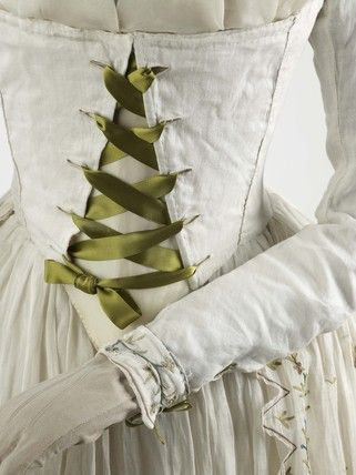 Dress and petticoat of fine white Indian muslin embellished with elaborate tambour embroidery: 1790 -- Museum of London.