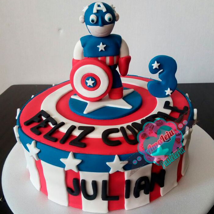 Torta Capitan America Realiza tu pedido por; https://goo.gl/mvYBYv WhatsApp: 3058556189, fijo 8374484  correo info@amaleju.com.co Síguenos en Twitter: @amaleju / Instagram: AmaLeju #vengadores #capitanamerica #superheroes