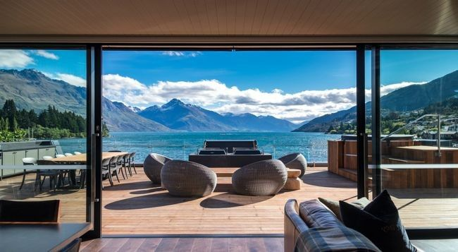 Inside New Zealand's new $10,000 per night penthouse: Historic and elegant, Eichardt's Private Hotel in New Zealand's Queenstown can add another feather to it's beautifully decorated cap in the form of 'The Penthouse'.