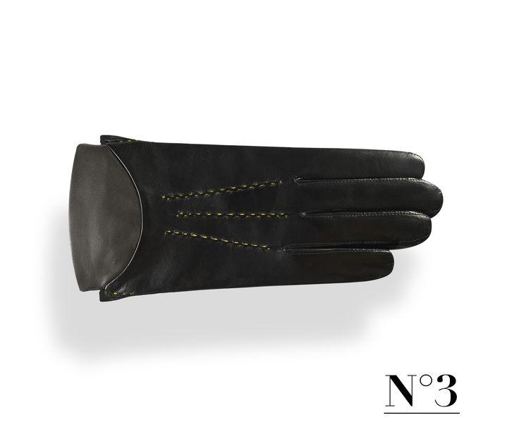 Man Glove N°3 - Veronika Cugura Accessories