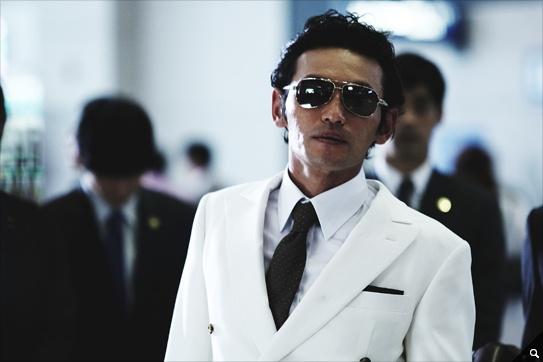 [영화] <신세계> 주연 황정민의 포스  썬글라스가 너무 잘 어울리는 남자 영화 배우 중 한명이 아닐까..부럽