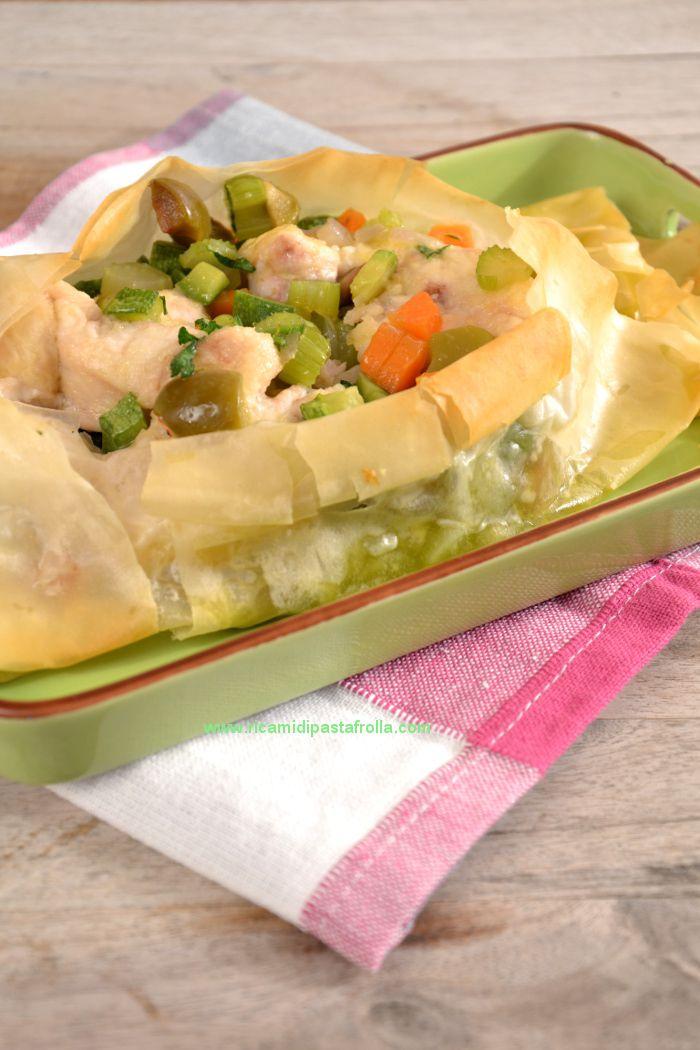 Cartoccio di pasta fillo con palombo e verdurine