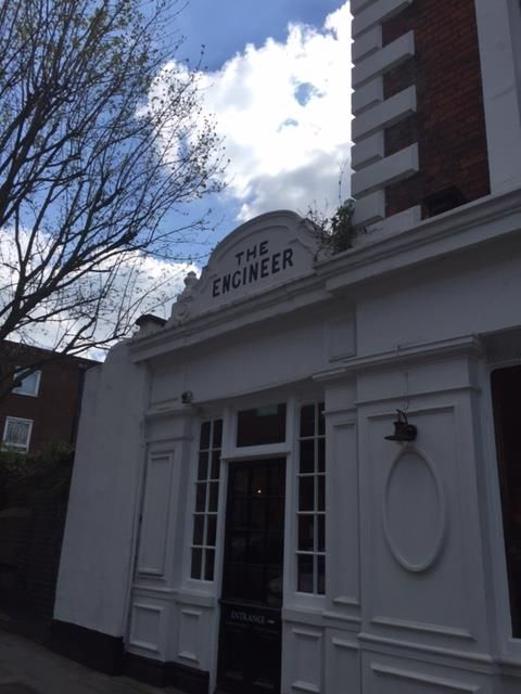 fourfancy Magazine: Pub a Primrose Hill, London