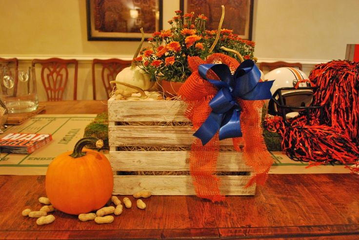 interior design musings: Entertaining - Garden Club Meeting--center piece for the Tailgating Party