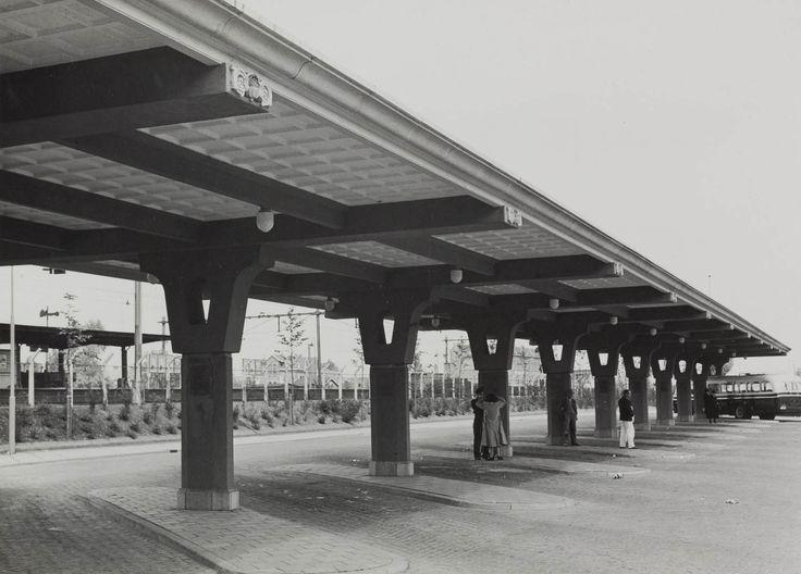 Busstation - Geheugen van Nederland