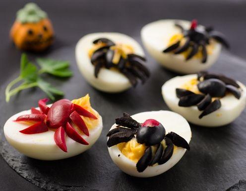 die besten 17 ideen zu gef llte eier auf pinterest oster k ken osterfr hst ck und osterbrunch. Black Bedroom Furniture Sets. Home Design Ideas