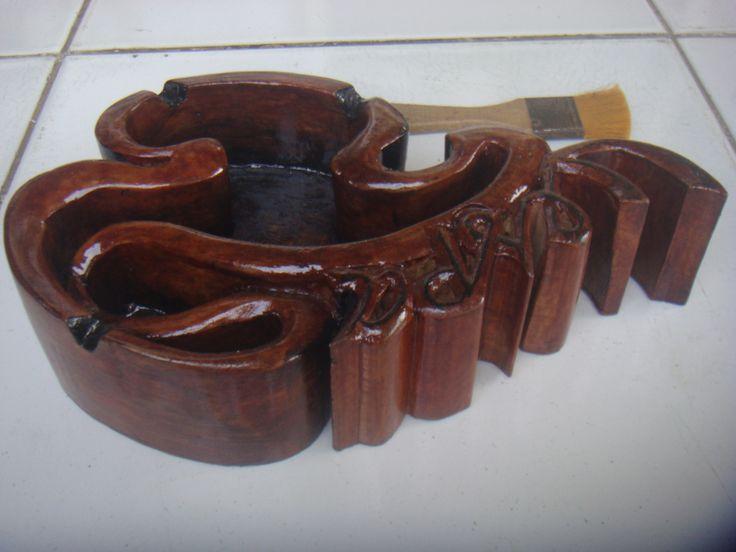 Asbak kayu Model Abstrak Vespa, Tampak bagian atas