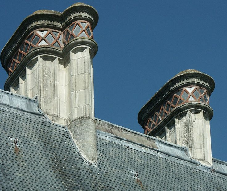French Renaissance, this shows detail of the decorative single and double chimney stacks on the Château d'Azay-le-Rideau.  Chimney's were an important part of French Renaissance architecture and typical of French Renaissance architecture. Photo:  Flickr.com