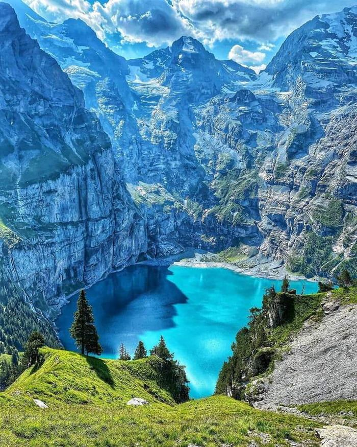 Oeschinen Lake, Switzerland. By @patbieli - 9GAG Beautiful Places In The World, Beautiful Places To Visit, Places Around The World, Around The Worlds, Amazing Places, Beautiful Nature Pictures, Amazing Nature, Beautiful Landscapes, Nature Scenes