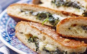 Fyldte brød med ost og spinat
