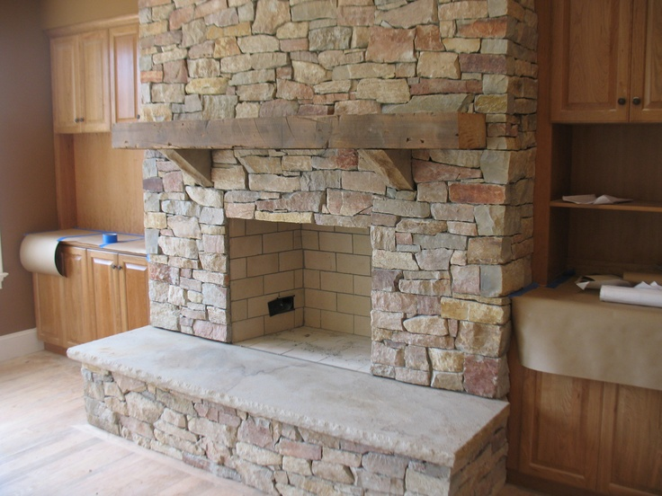 rustic mantle - LUV this mantle & fireplace