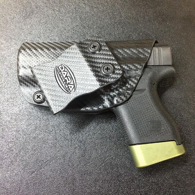 Small of Back Holster for the @glockinc #glock43 and @hyvetechnologies floor plate. @daraholsters #daraholsters #hyvetechnologies #blackcarbonfiber #holster #iwbholster #smallofback #ccw #edc #concealedcarry #concealcarry #everydaycarry #glock #glockporn