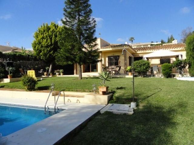 4 Bedroom, 4 Bathroom Calahonda Villa for sale in Malaga Province, Spain – Ref 209815