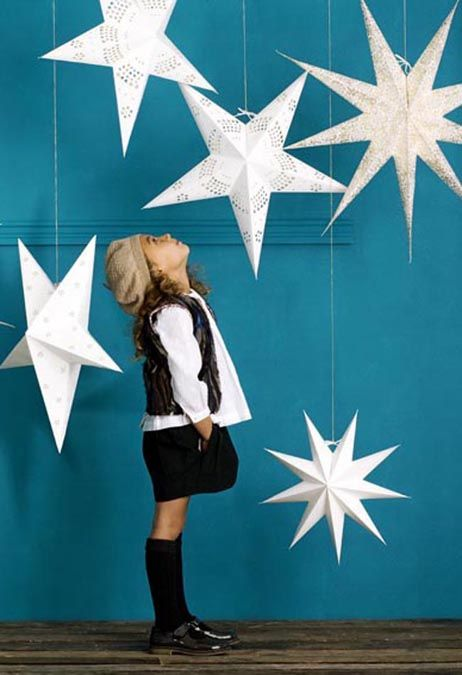 Sanctuary: Those shining paper stars... lovely for a winter wonderland Christmas
