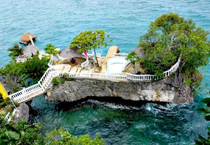 Buho Rock Resort On Camotes Islands