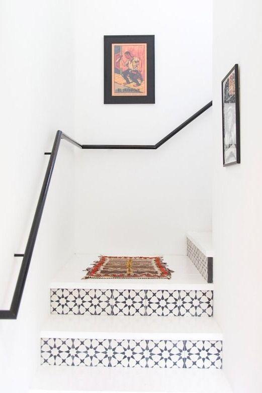 Hoy dedicamos el post a las escaleras, esas que a veces nos pueden resultar algo aburridas y cansadas, dependiendo del número de peldaños, así que hoy os voy a dejar un poco de inspiración para ten…