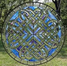 A blend of two things that appeal to me..Celtic/stained glass.