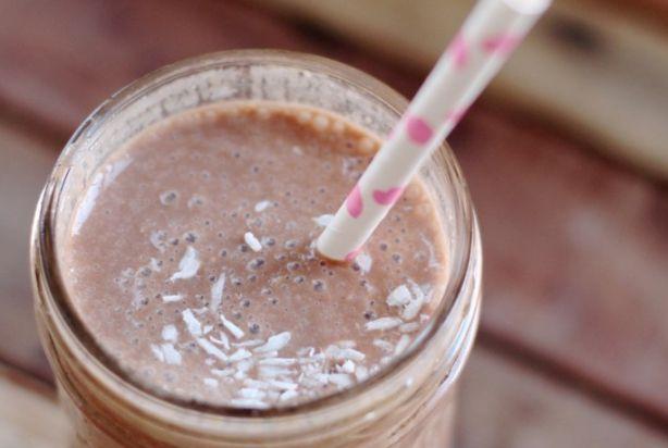 Gezonde amandel-chocolade shake (Ik zou zelf de rijstsiroop achterwegen laten)