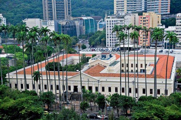 Rio: a recém-aberta Casa Daros, em Botafogo, com arte latino-americana contemporânea num casarão de 1866 atualizado por Paulo Mendes da Rocha e Ernani Freire Arquitetos Associados