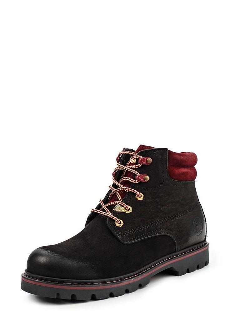 Ботинки Darkwood выполнены из натурального нубука. Детали: текстильная подкладка и стелька, шнуровка, плотная подошва.