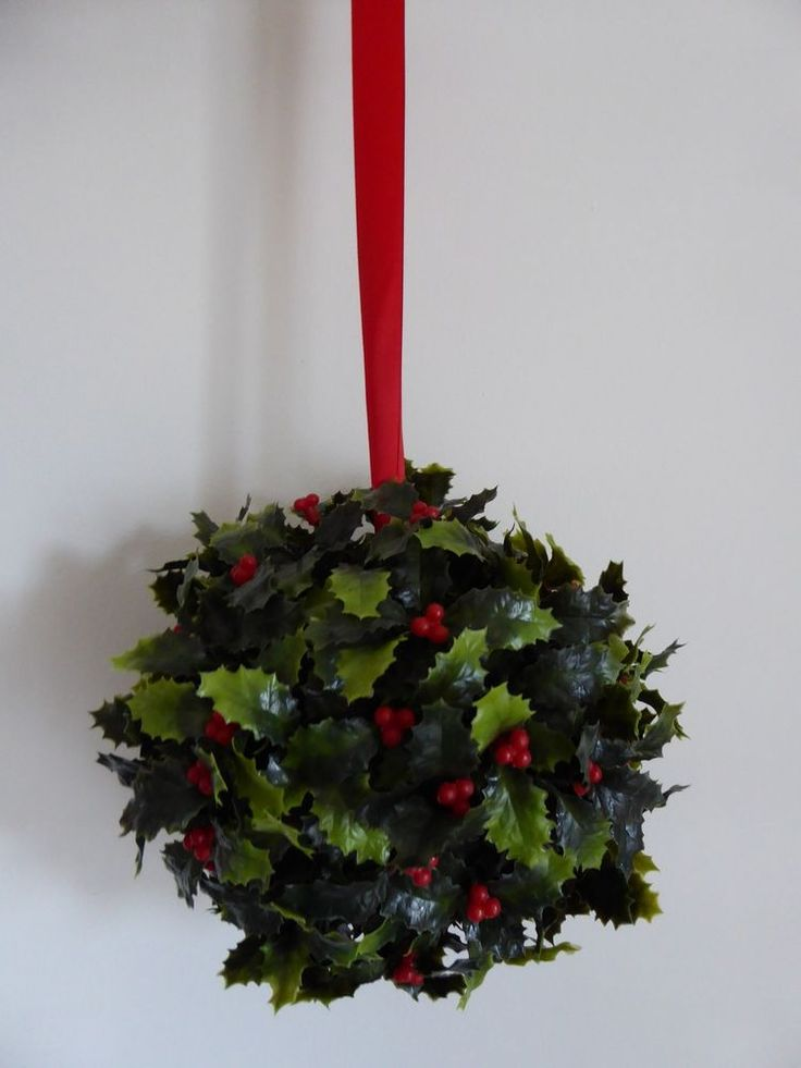 Artificial Holly Topiary Ball Green Hanging Christmas Xmas Decoration Home 17cm  #UKGARDENS
