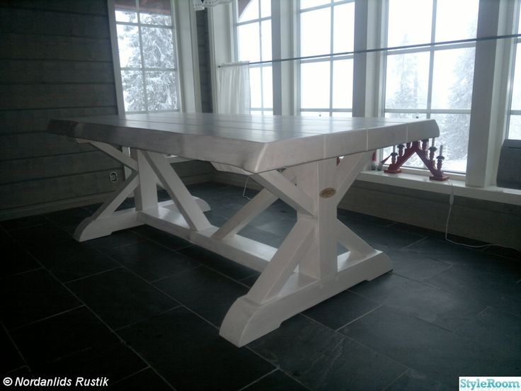Här hittar Ni lite unika och vackra möbler, något utöver det vanliga! Skriv gärna en kommentar, alltid roligt!.