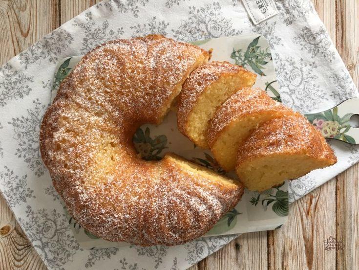 Naranja y Cointreau. Los ingredientes perfectos para conseguir el mejor bizcocho y empezar el fin de semana con una dosis extra de vitamina C.