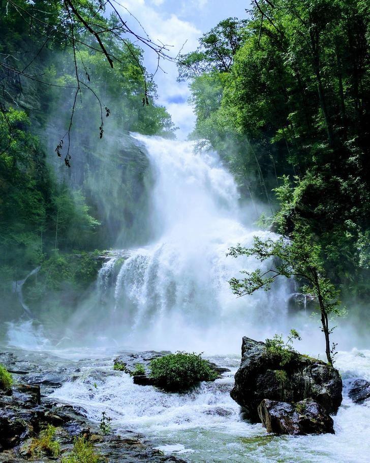Got a pretty good shot of Cullowhee Falls in North Carolina after some heavy rainfall [OC]